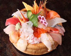 img via 近江超市場寿司公式サイト /大名丼 (あら汁付き)2890円