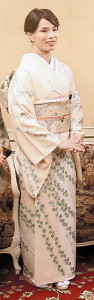 加賀友禅の着物姿の松本選手