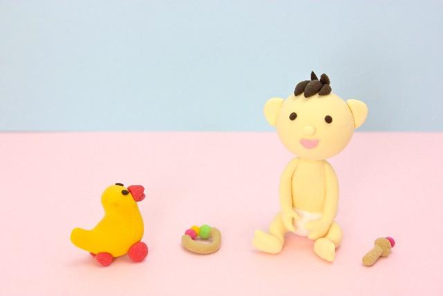 赤ちゃんとアヒル