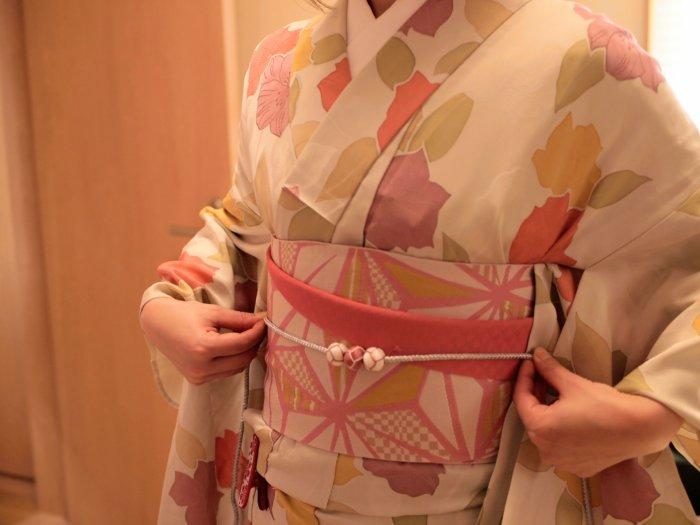 haremaroma_kimono_rental_kanazawa_pink_kimono_obikazari_balls