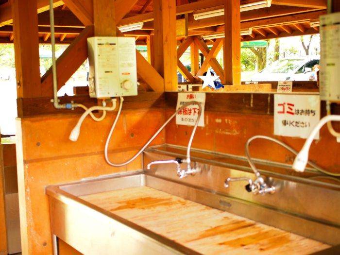 奥卯辰山公園のBBQデイキャンプ場の炊事場