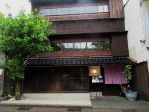higashiyama-tamon-entrance