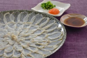 tessa-blowfish-pufferfish-sashimi