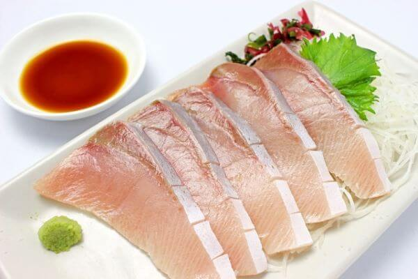 sashimi of yellowtale